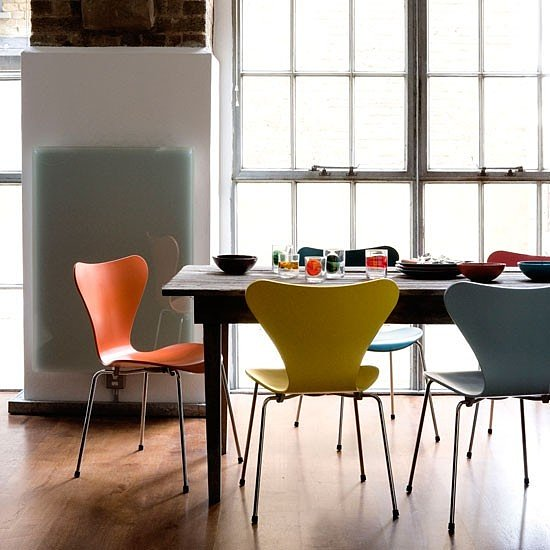 стулья из пластика на металлокаркасе